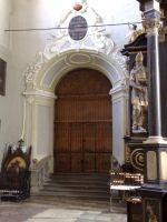 Okres smuty. Wejście do kaplicy zamknięte deskam