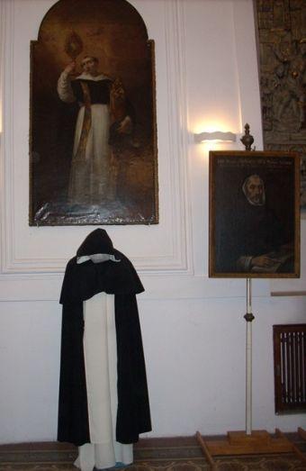Czytaj więcej: Szaty zakonne Dominikanów